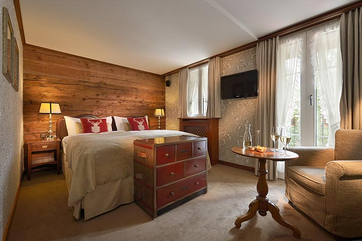 Alpenrose-Twin-Bedroom